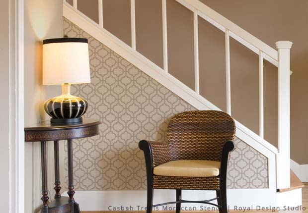 Ideas for Stenciling a Welcoming Foyer